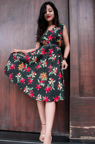 Jompers Women Black & Red Floral Printed Rayon A-Line Kurta
