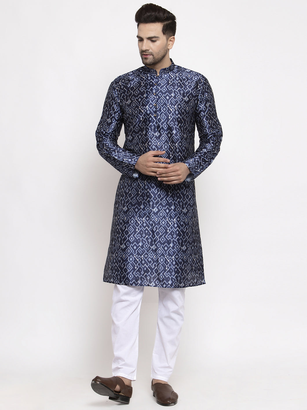Jompers Men Navy Blue & White Printed Kurta with Pyjamas ( JOKP 624 Blue )