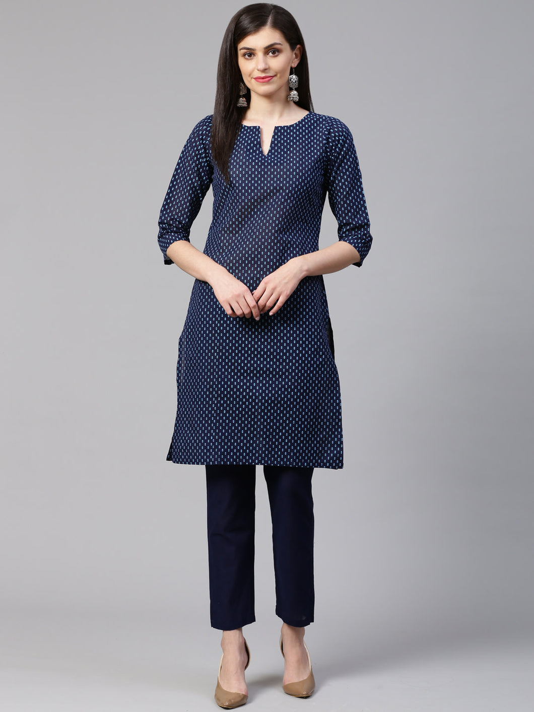 Jompers Women Blue Printed Kurta with Trousers