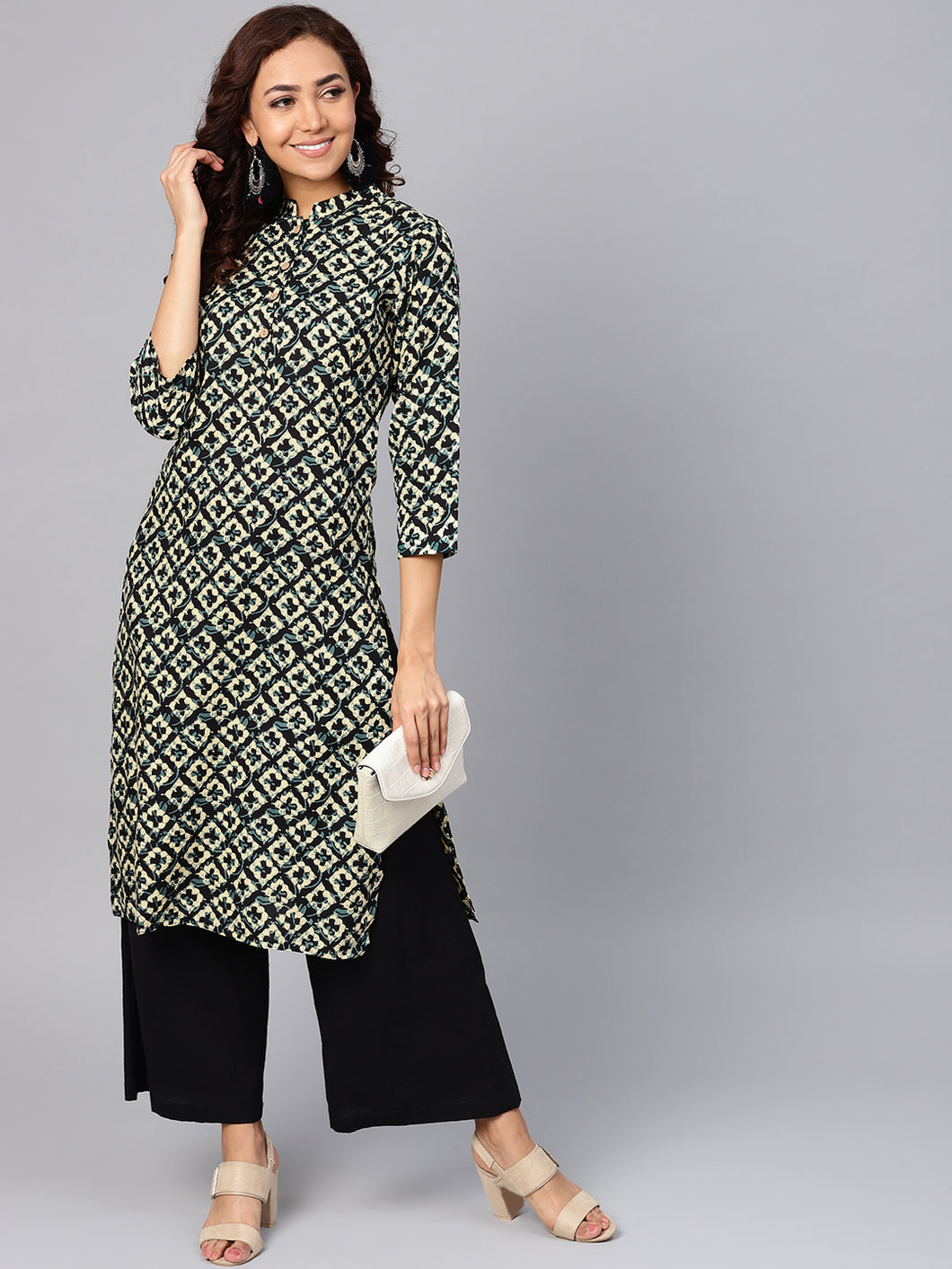 Jompers Women Cream-Coloured & Black Printed Straight Kurta