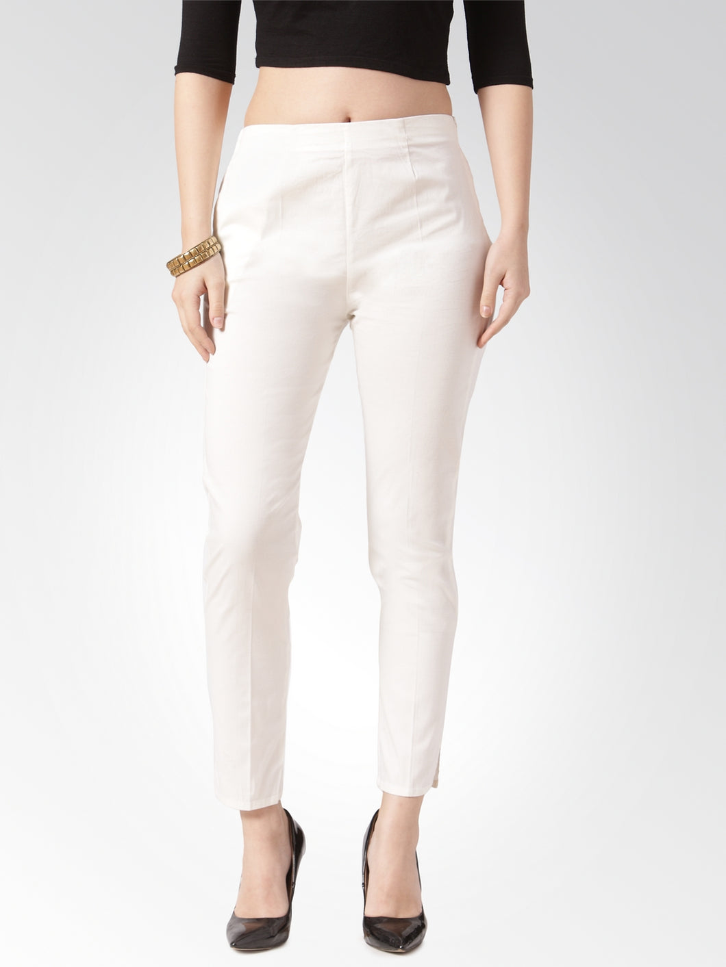 Jompers Women Off-White Smart Slim Fit Solid Regular Trousers