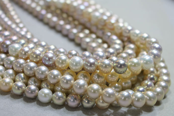 metallic Pearls