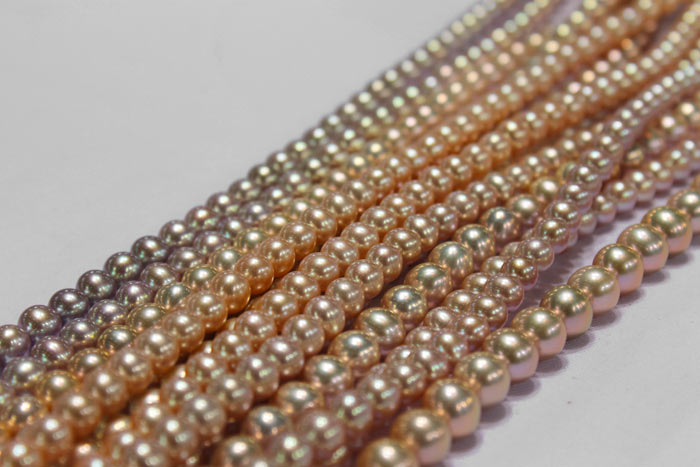 light to dark colored pearl strands