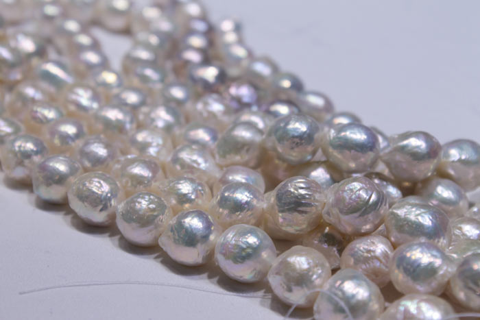 closer look at the pearls from Grace Pearls