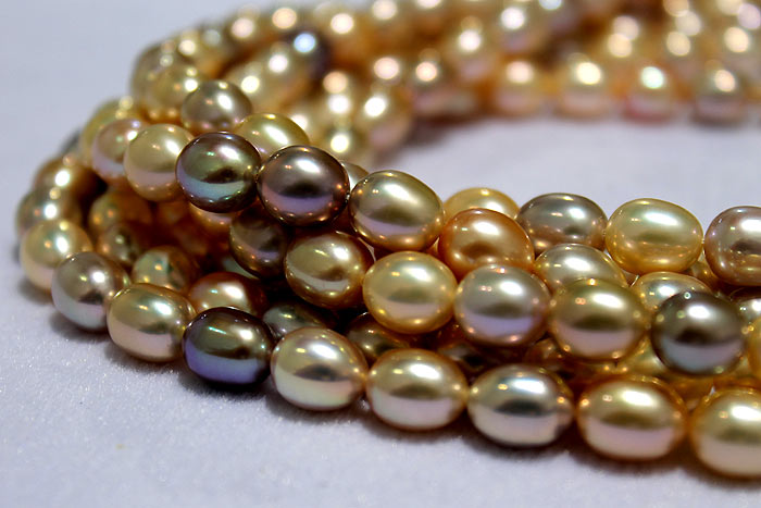 drop pearls with indescribable colors