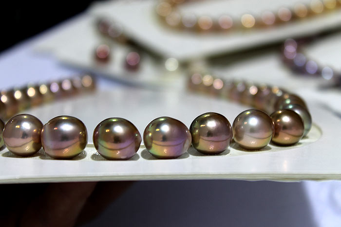 Edison pearls with purple overtones