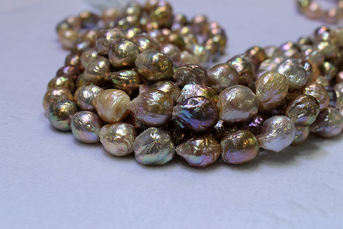 freshwater ripple pearls with light colors