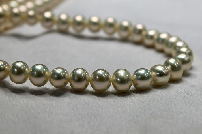 freshwater metallic pearl strand in light gold