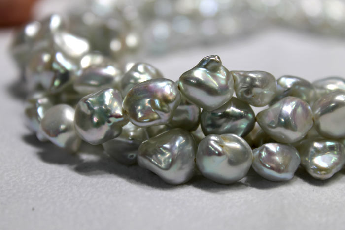 close up of the silver Keshi pearl strands