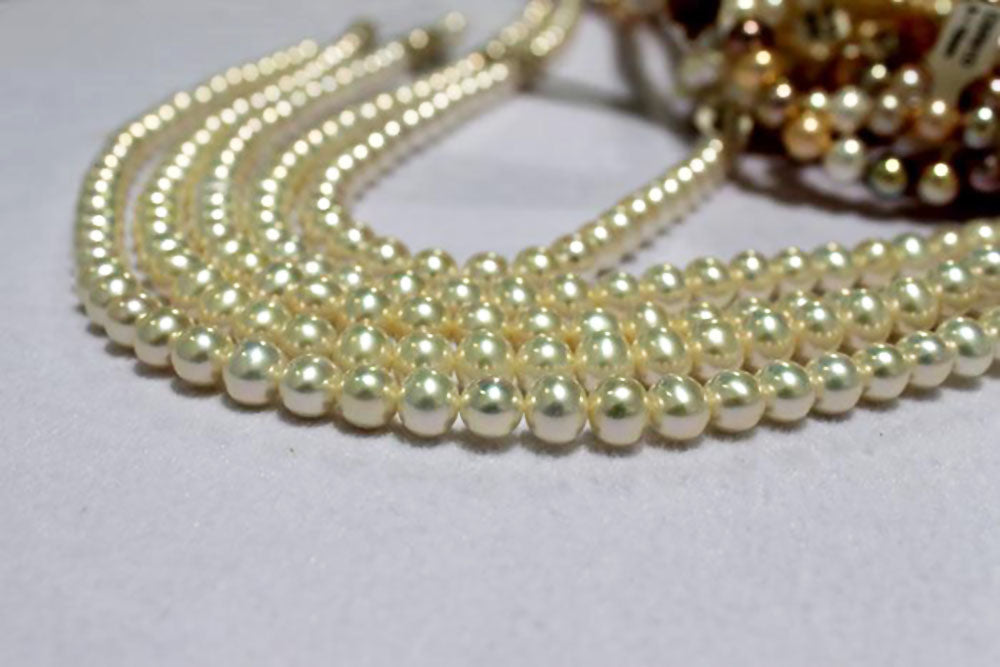 Pearl Eye Candy Spotlight: Mesmerizing Metallic Freshwater Pearls