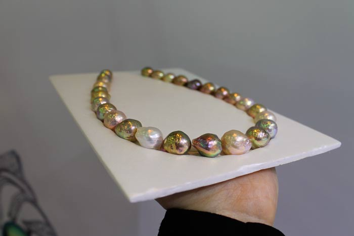 Holy grail ripple pearl necklace