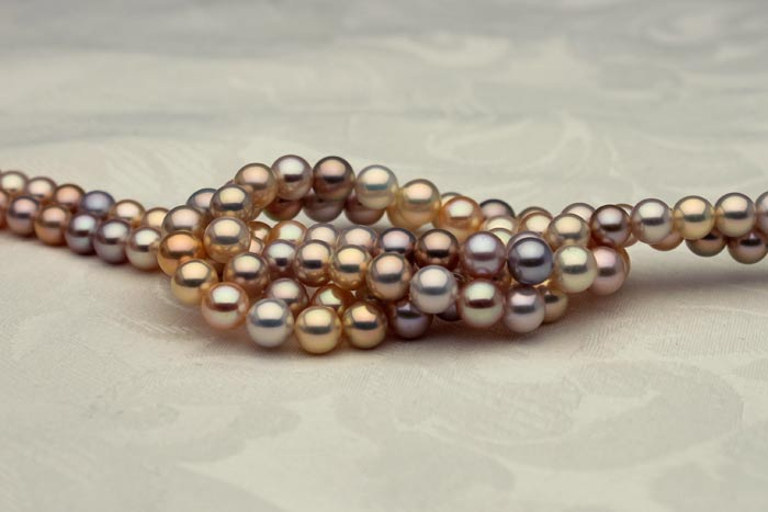 fancy multi-color metallic pearl necklaces
