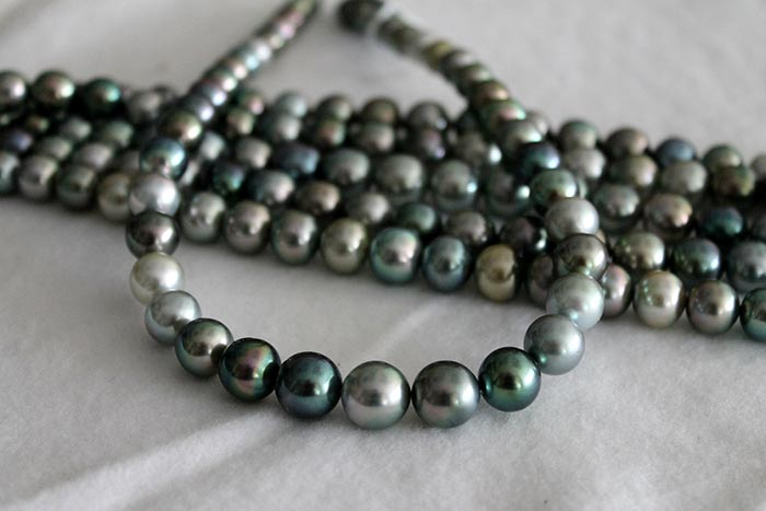 multi-color tahtian pearls