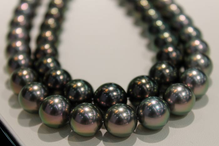 peacock colored Tahitian pearls