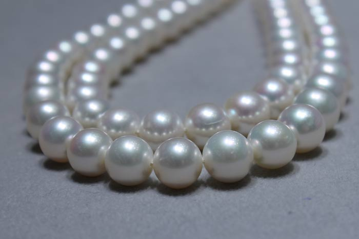 white metallic pearl strands