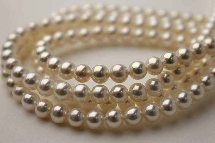 metallic pearl strands close up