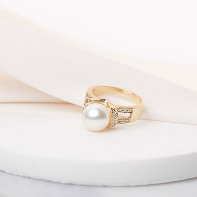 """Grandeur"" White South Sea Pearl and Diamond Ring: 9.0-10.0mm"