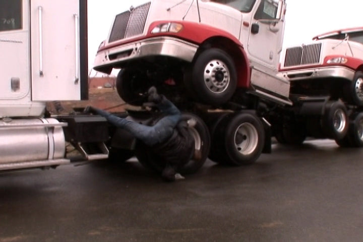 Preventing Slips and Falls In Trucking (V1) (Waste Management)