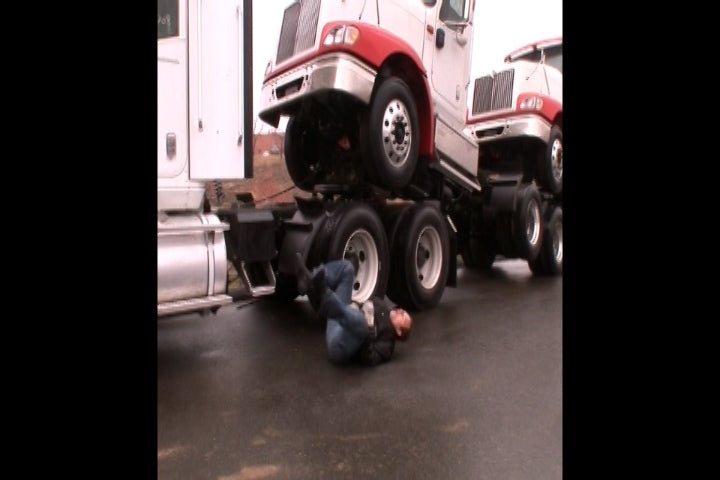 Preventing Slips and Falls In Trucking