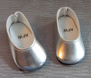 Wellie Wisher Silver Slip Ons