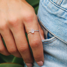 Load image into Gallery viewer, Pura Vida Oval Rose Quartz Ring
