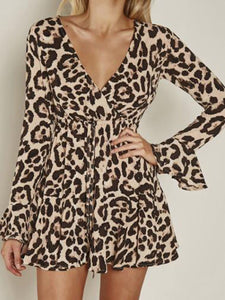 Fashion Sexy V-neck Leopard Trumpet Sleeve Dress