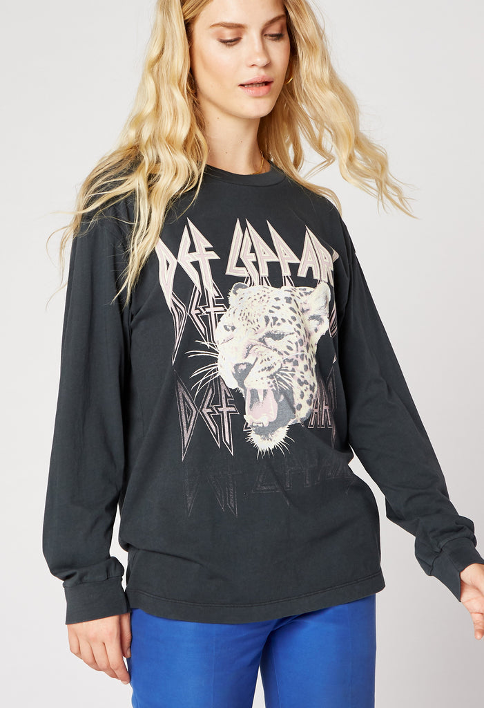 DAYDREAMER - Def Leppard Oversized Long Sleeve Tee