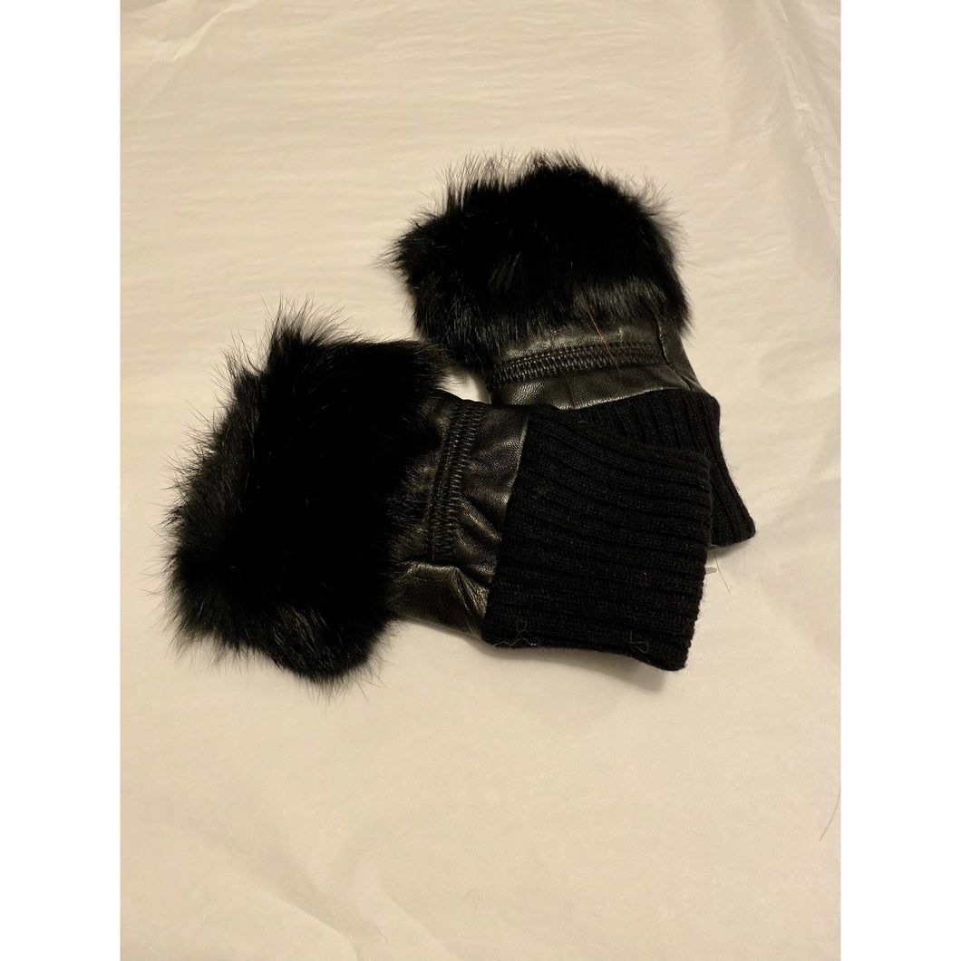 Airis - Fingerless Fur Gloves