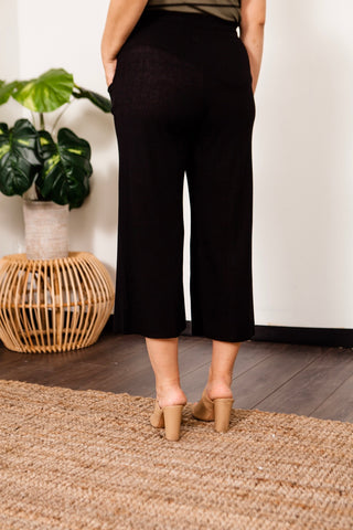 Cropped Ribbed Knit Pants
