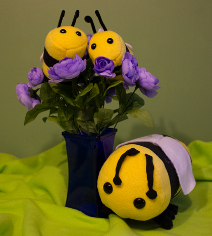 Stuffed Bee (Large), Plushies - Team Manticore