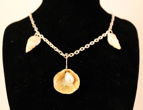 Shells and Teardrop Pearl Necklace