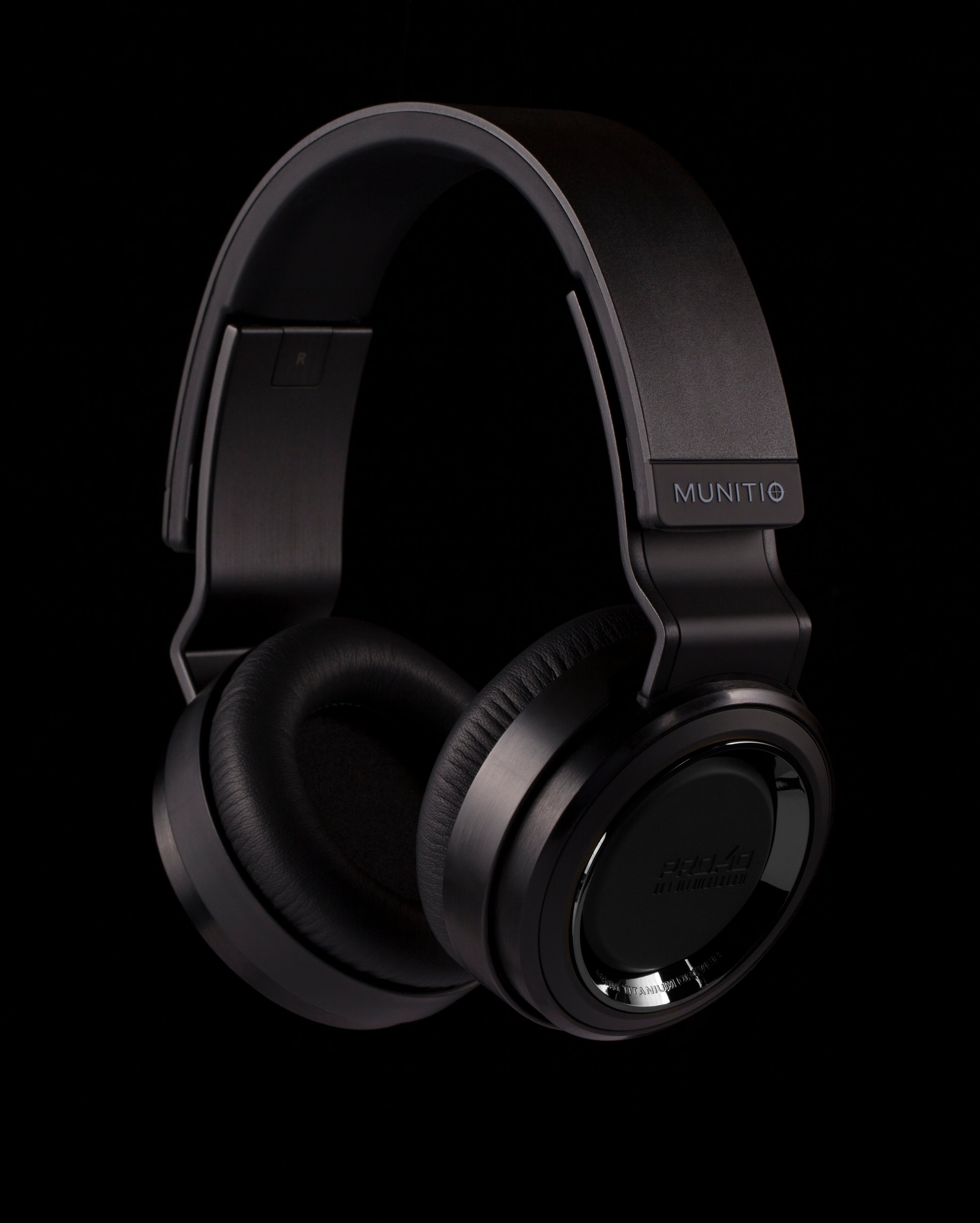 Pro40 BLK  |  High Performance Headphones