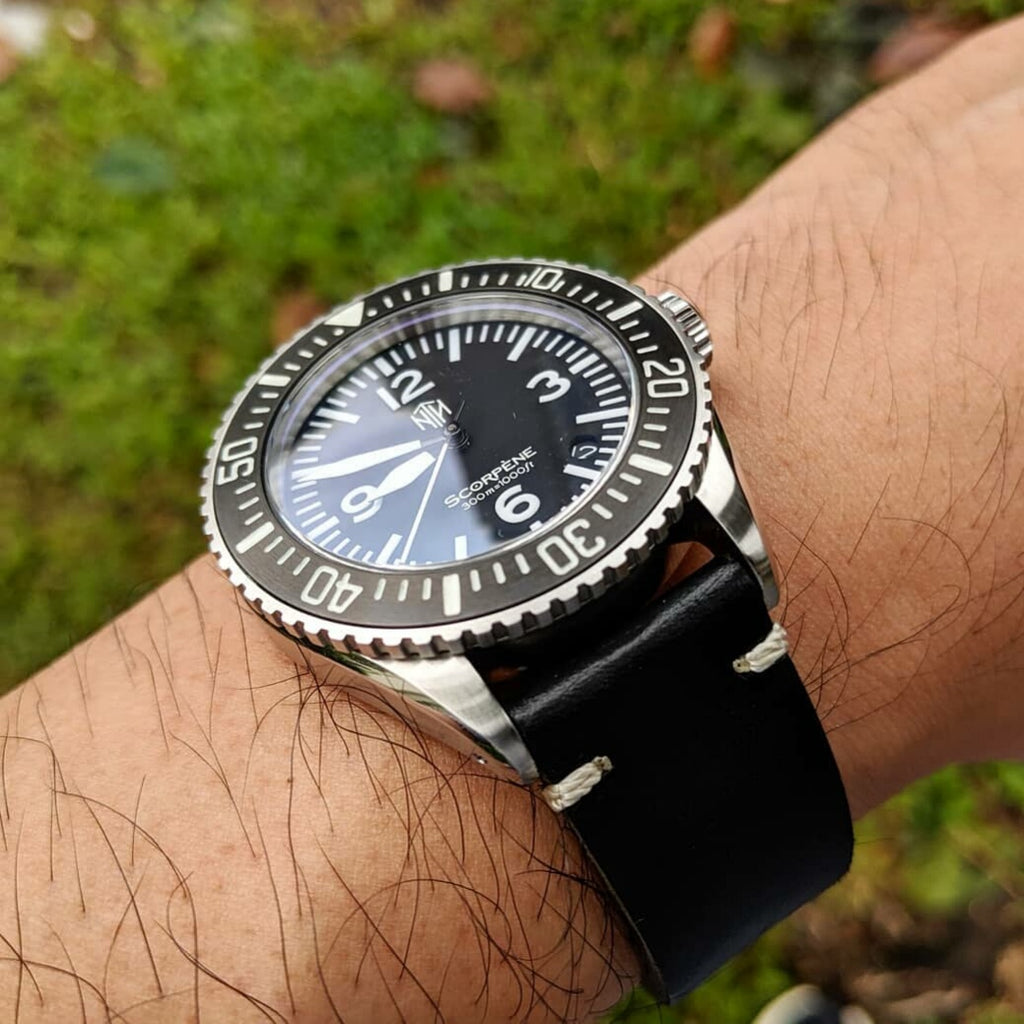 N2W Vintage Horween Leather Strap in Chromexcel® Black (22mm) - Nomad Watch Works Malaysia