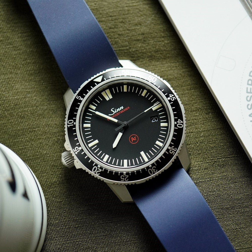 FKM Rubber Strap in Navy (20mm) - Nomad Watch Works Malaysia