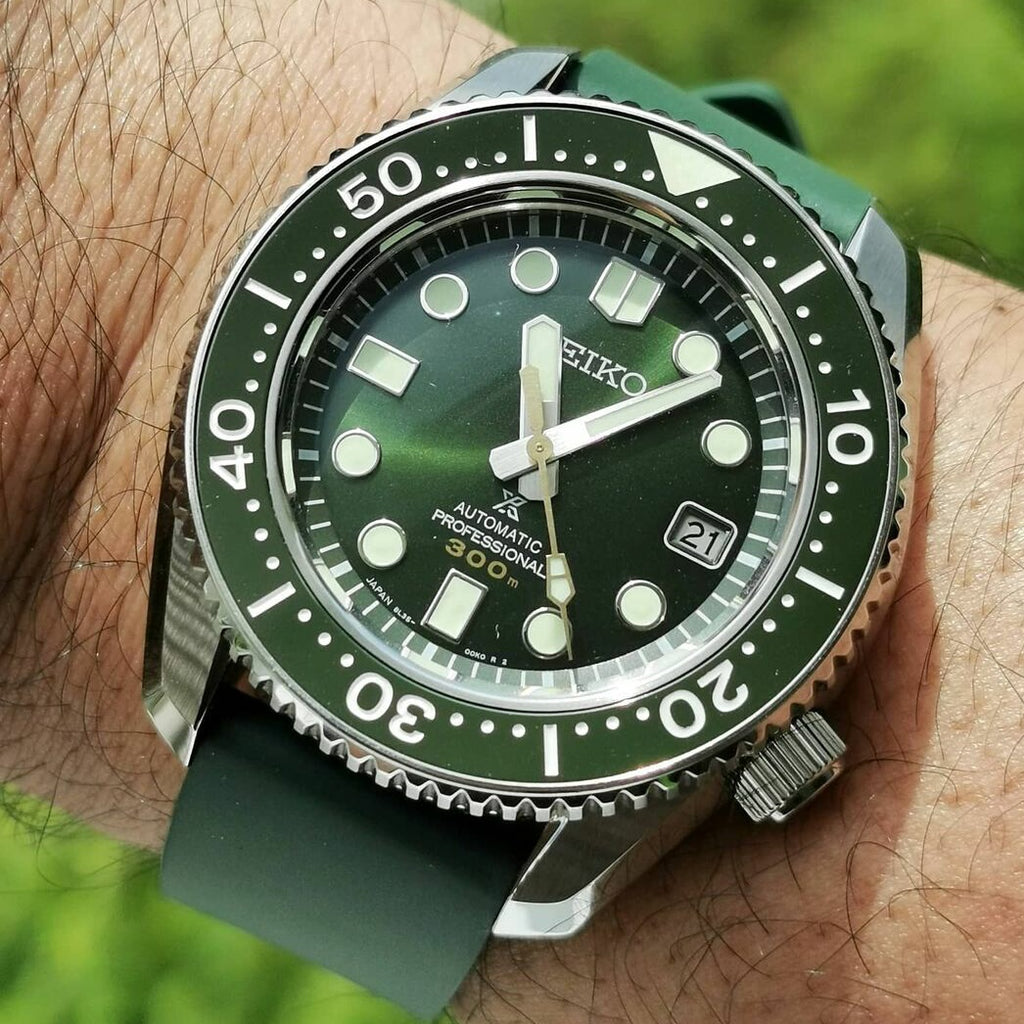 FKM Rubber Strap in Green (22mm) - Nomad Watch Works Malaysia