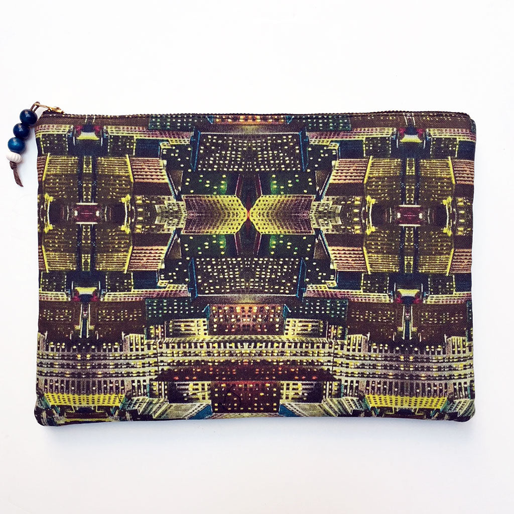 City at Night Pouch Large {PLCIT}