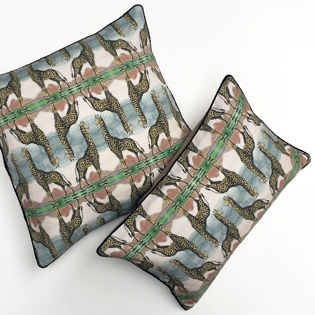 Giraffe Wildlife II Pillow {WL108}