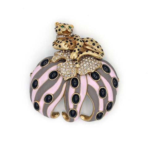 Leopard on Lily Pin {P145PE}