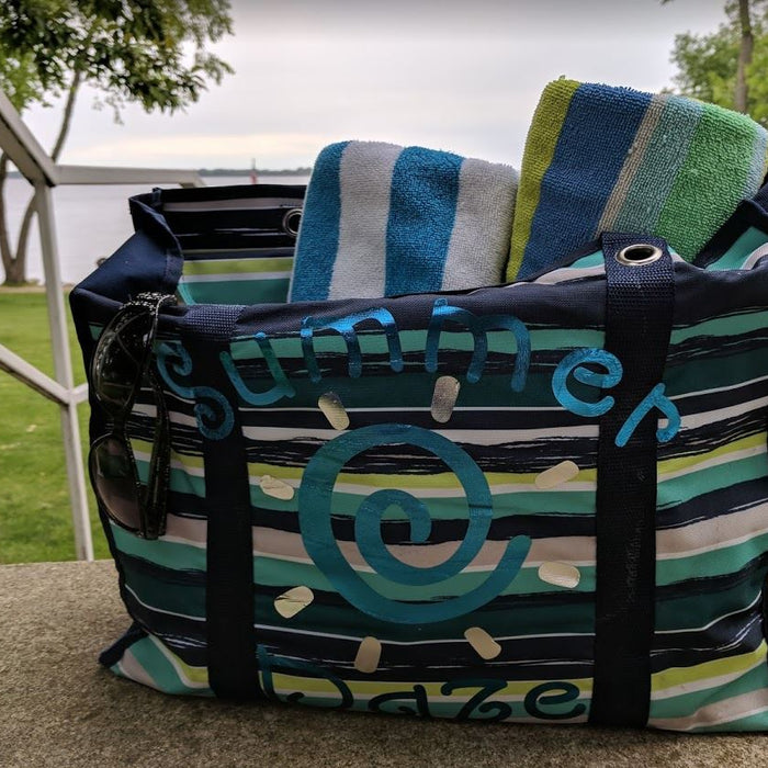 Summer Daze – Thirty One Tote with Cricut Foil Iron on