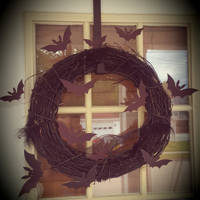 Classic Spooky Black Wreath for Halloween