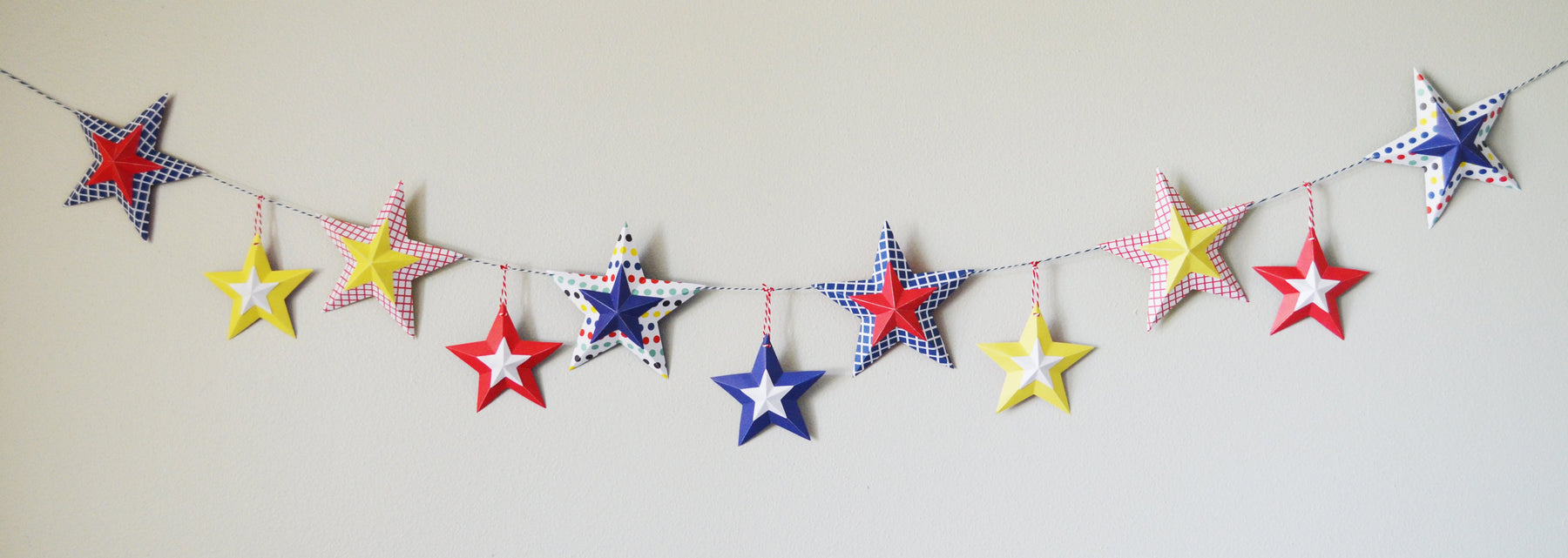 4th of July Paper Star Banner with Cricut Explore Air 2