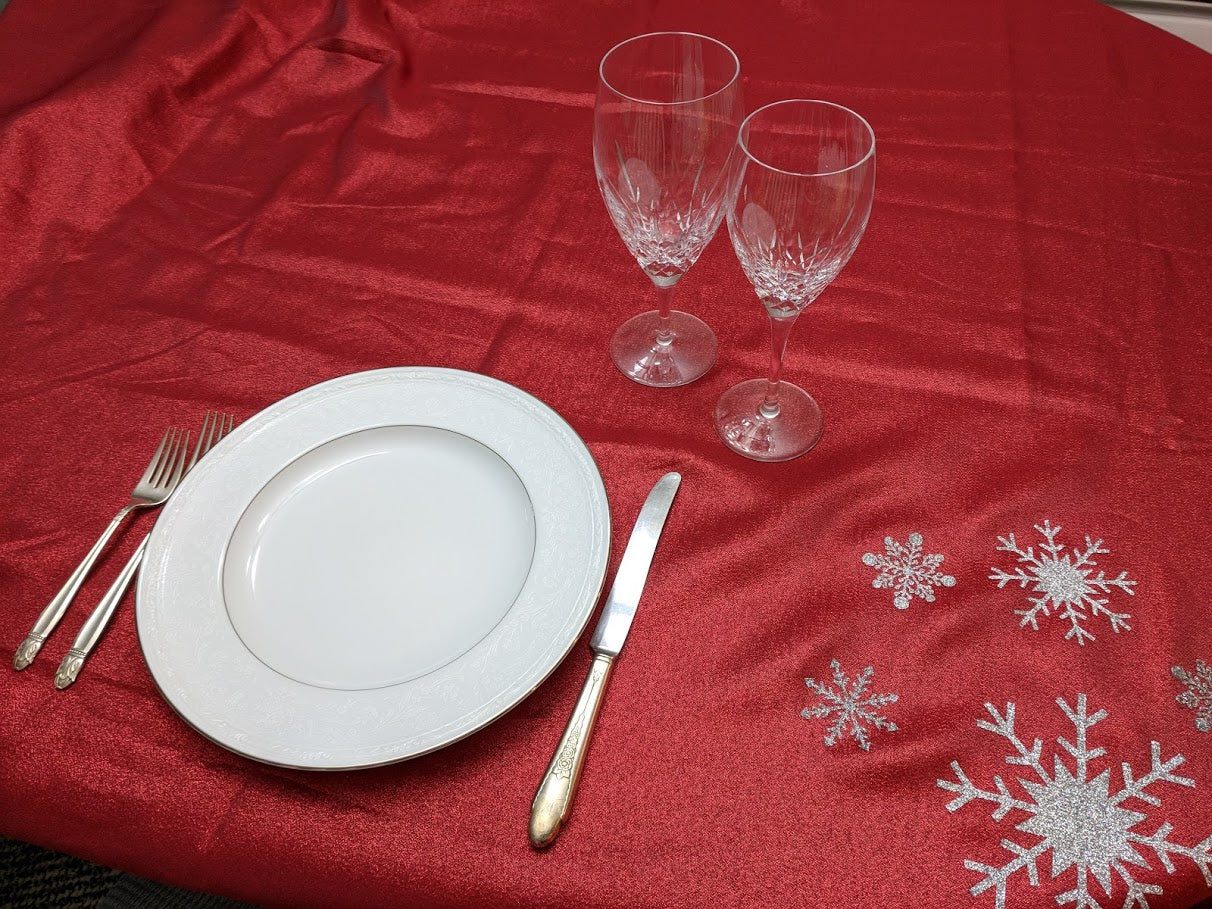 Cricut Christmas Dinner Tablecloth Decoration