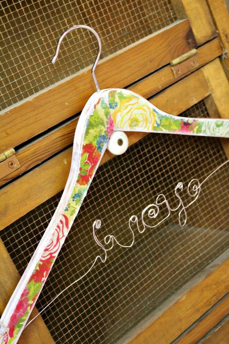 Great Gift Idea! Vintage Wire Name Hanger Tutorial-Part 2