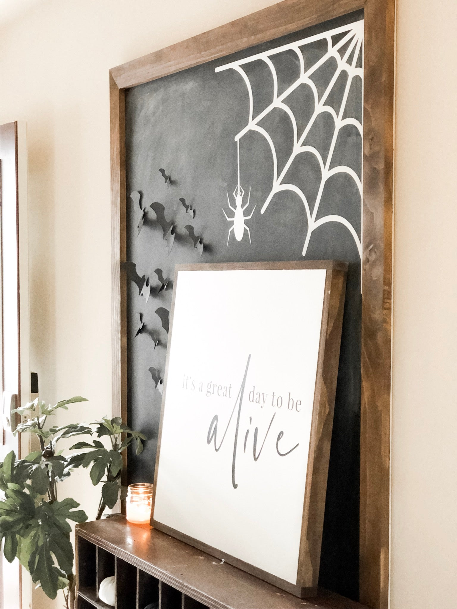 Halloween Entryway with a Cricut