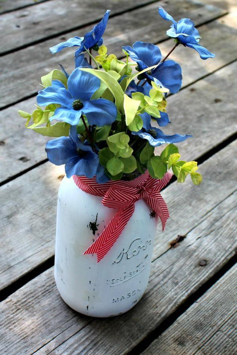 Red, White & Blue Summer Star Mason Jar Vase Tutorial