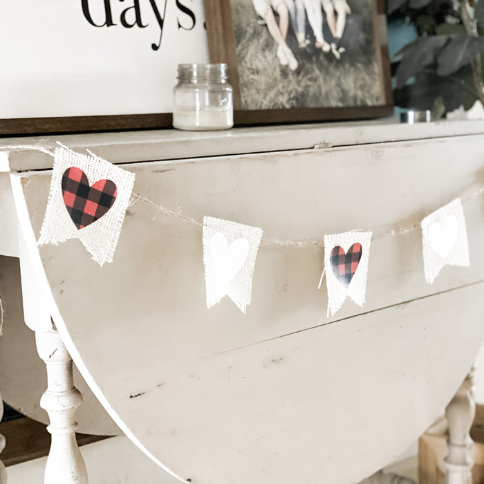 Cricut Valentine's Day Project: Burlap Banner