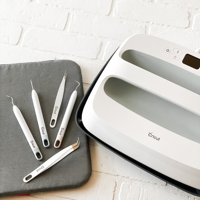 Cricut EasyPress Bundle Giveaway!