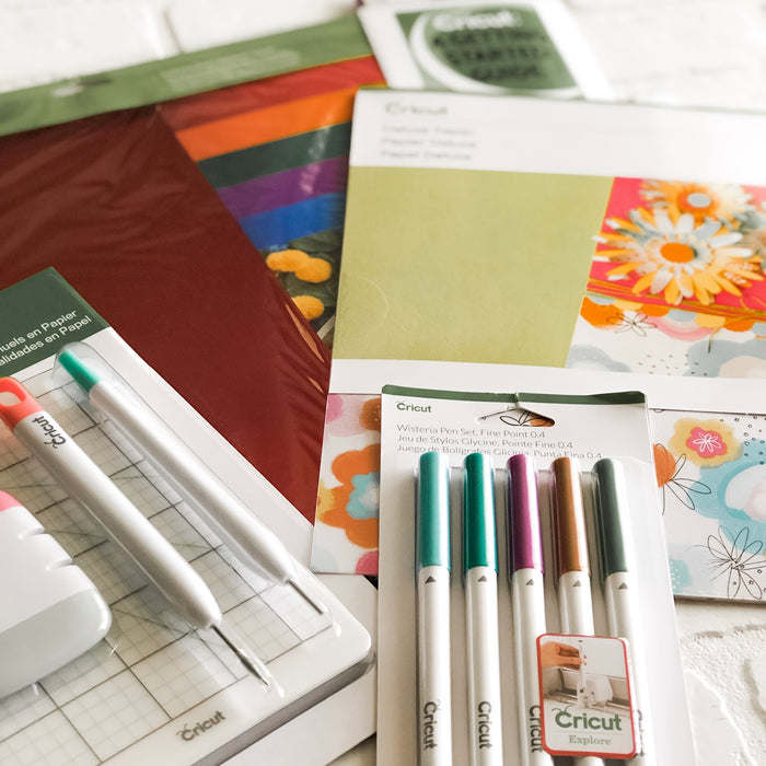 Cricut Tips & Tricks for Beginners: How to Remove Materials from a Cutting Mat