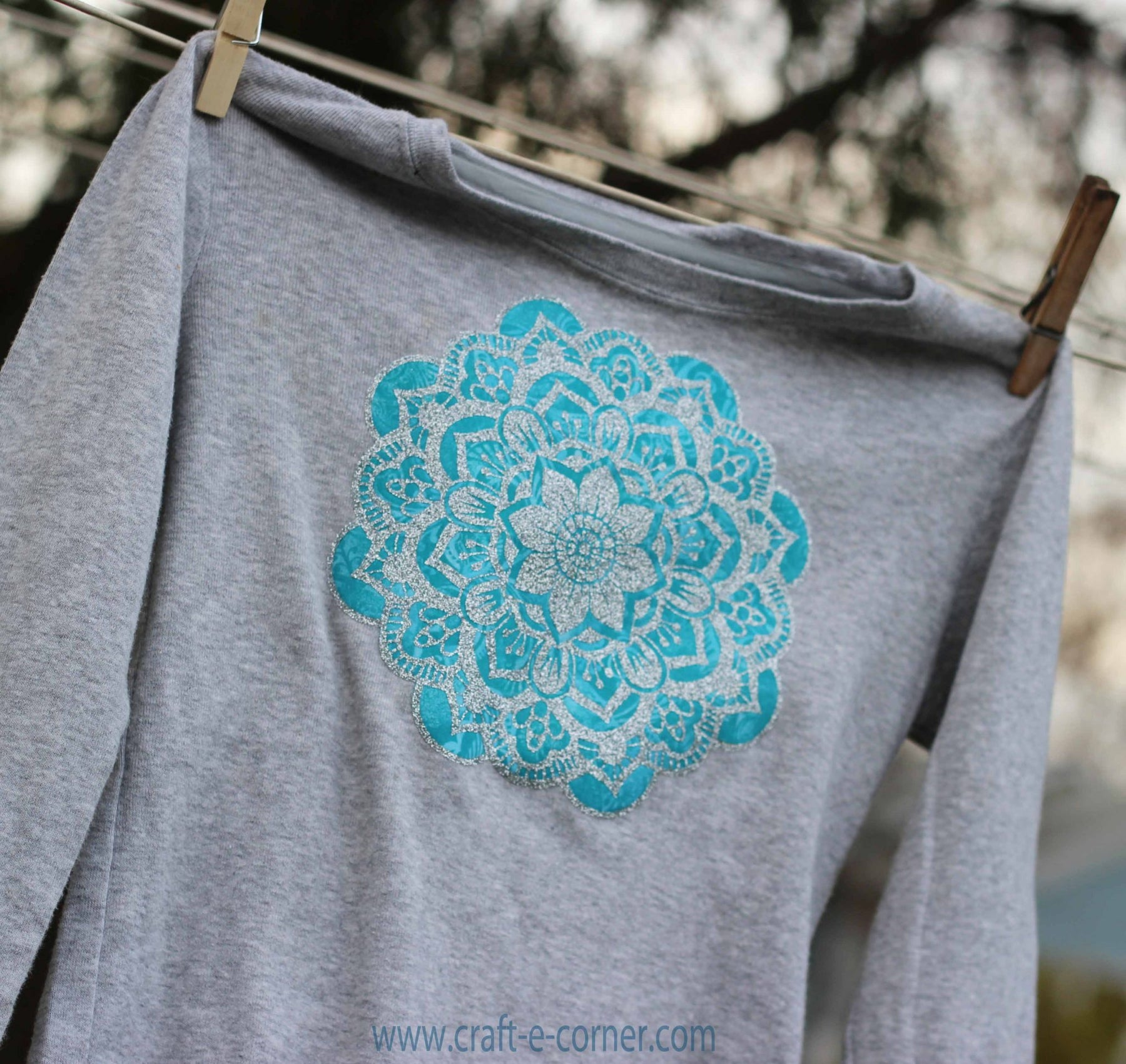 Fabric + Glitter Heat Transfer: A Silhouette Cameo Tutorial