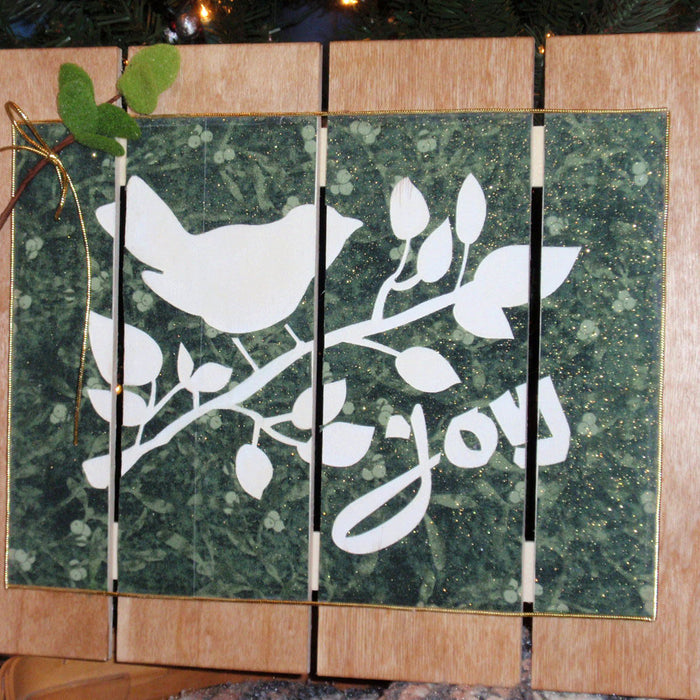 Cricut Fabric and Pallet Project Inspiration for Your Christmas Wall Decor